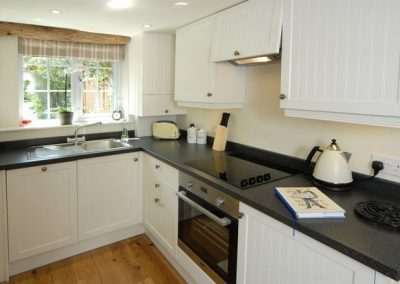 Kitchen of Holly Cottage in Broadway, Cotswolds